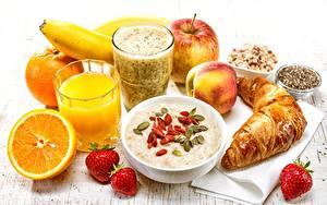 Обои для рабочего стола Сок Апельсин Овсянка Круассан Клубника Стакан Завтрак Здоровое питание Еда