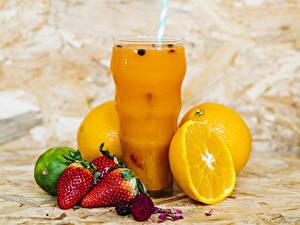 Обои Сок Апельсин Клубника Стакан Продукты питания