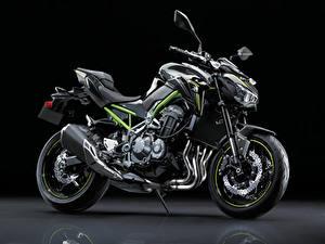 Картинка Кавасаки Черный фон Сбоку 2017-19 Z900 Worldwide мотоцикл