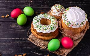 Фотографии Кулич Пасха Сахарная глазурь Яйцами Продукты питания