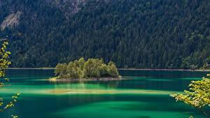 Картинки Озеро Остров Германия Лес Дерево Бавария Eibsee Природа