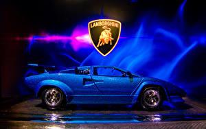 Фотография Lamborghini Игрушки Сбоку Синий Countach sv 5000 авто