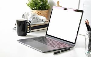 Фотография Ноутбуки Чашка Компьютеры