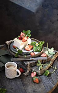 Обои для рабочего стола Пирожное Клубника Кофе Капучино Кружке Ветки Еда