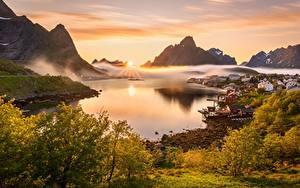 Картинка Лофотенские острова Норвегия Пейзаж Гора Тумане Солнца Залива Reine