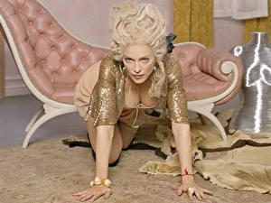 Картинки Madonna Блондинки Смотрит Декольте Рука Позирует Девушки