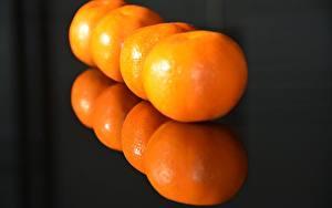 Обои для рабочего стола Мандарины Вблизи Отражение Оранжевый Еда