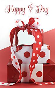 Картинка Международный женский день Подарок Английская Слова Сердечко Ленточка