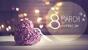 Фото Международный женский день Сердечко Слова Английская