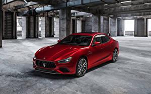 Фотография Maserati Красный Металлик Ghibli Trofeo, M157, 2020 машина
