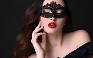 Фотография Маски Пальцы Черный фон Шатенка Красные губы Красивые молодые женщины