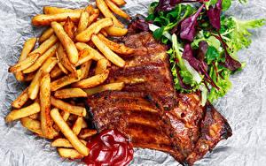 Фотографии Мясные продукты Картофель фри Овощи Кетчуп Еда