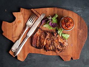 Картинки Мясные продукты Ножик Кетчупом Листья Вилка столовая