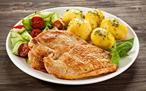Фотография Мясные продукты Картошка Овощи Доски