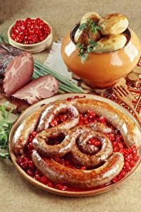 Обои для рабочего стола Мясные продукты Картошка Сосиска Ветчина Пища