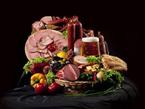 Фотографии Мясные продукты Колбаса Пиво Ветчина Хлеб Овощи Томаты Корзина