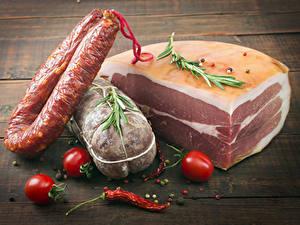 Обои Мясные продукты Колбаса Помидоры Острый перец чили