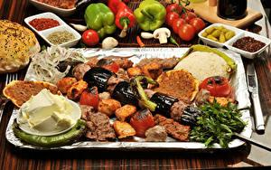 Обои Мясные продукты Шашлык Перец Помидоры Приправы Масла Продукты питания