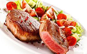 Фото Мясные продукты Овощи Белым фоном Еда
