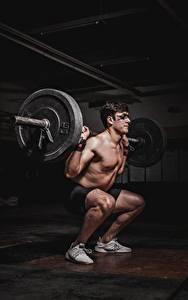 Картинка Мужчины Штангой Тренировка спортивный