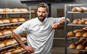 Картинка Мужчины Хлеб Смотрит Повар