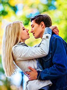 Фотография Мужчины Любовь Любовники 2 Блондинка Объятие Девушки