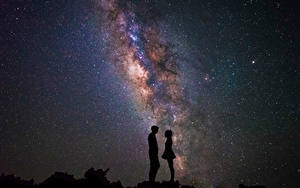 Картинки Млечный Путь Звезды Небо Силуэта Двое Ночь astrophotograpy Isaac Gautschi Космос
