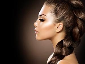 Фотография Фотомодель Шатенки Лица Макияж Красивый Косы Волосы