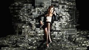 Фото Деньги Много Доллары Купюры Сидит Ног Jessica Chastain, Molly's Game Фильмы Девушки