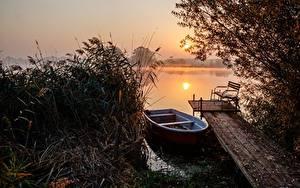 Картинка Утро Рассветы и закаты Озеро Лодки