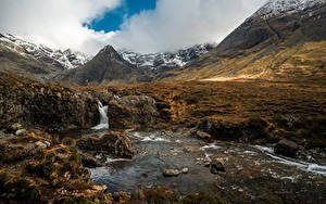 Обои Гора Камень Речка Шотландия Облачно Fairy Pools Природа