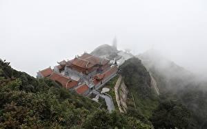 Фото Горы Храм Вьетнам Туман Сверху mount Fansipan, Lao Cai province, Buddhist temple Природа