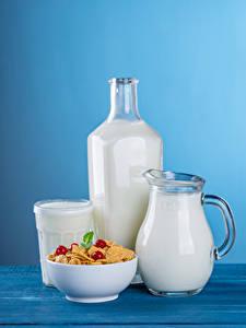 Картинки Мюсли Молоко Цветной фон Кувшин Бутылка Стакан Пища