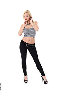 Картинки Nathaly Cherie iStripper Белый фон Блондинка Рука Ног Туфли Брюки молодая женщина