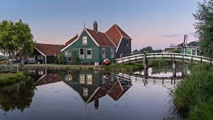 Фото Нидерланды Мост Здания Водный канал Zaandam, Noord-Holland город