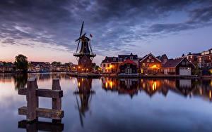 Фото Голландия Вечер Дома Водный канал Мельница Заливы Haarlem, Papentorenvest город
