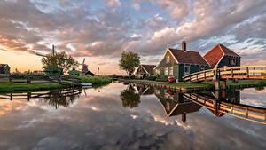 Картинка Голландия Дома Мост Мельница Водный канал Zaanse Schans Природа