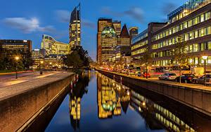 Обои Голландия Дома Вечер Водный канал Набережная The Hague город
