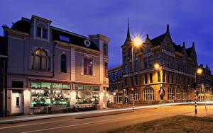 Фотография Голландия Здания Ночные Улице Уличные фонари Haarlem Города
