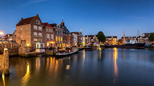 Картинки Нидерланды Здания Речные суда Maassluis