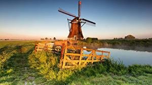 Обои Нидерланды Утро Поля Ограда Туман Мельницы Alblasserwaard, Streefkerk Природа