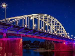 Фотография Нидерланды Реки Мосты Ночь Уличные фонари Arnhem Города