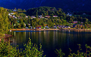 Обои Норвегия Дома Поселок Залива Kinsarvik Hardangerfjord Города