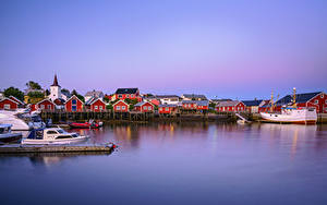 Картинка Норвегия Лофотенские острова Пристань Лодки Дома Reine, Moskenesøya Природа