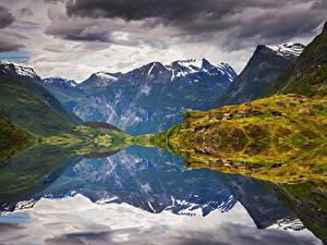 Фотографии Норвегия Лофотенские острова Гора Заливы Мох