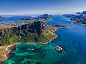 Обои для рабочего стола Норвегия Лофотенские острова Горы Море Сверху Природа