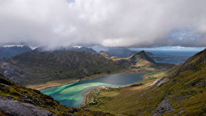 Фотография Норвегия Лофотенские острова Горы Облачно Фьорд Skjelfjorden