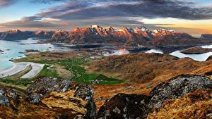 Картинка Норвегия Лофотенские острова Пейзаж Горы Здания Залив Природа