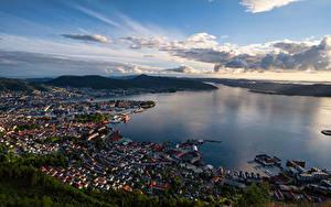 Фото Норвегия Горы Берген Здания Небо Сверху fjord город