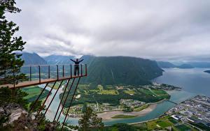Картинка Норвегия Гора Речка Облако Сверху Trollveggen Природа
